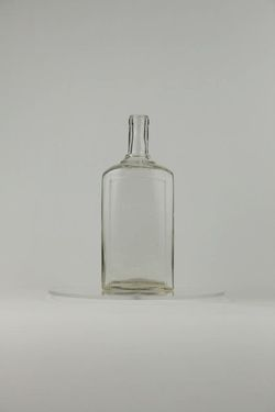 Fľaša štvorboká, hebr. náp. Pesach, sklo - F00005